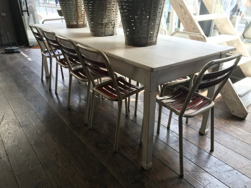 Ref. 836 | White dining table