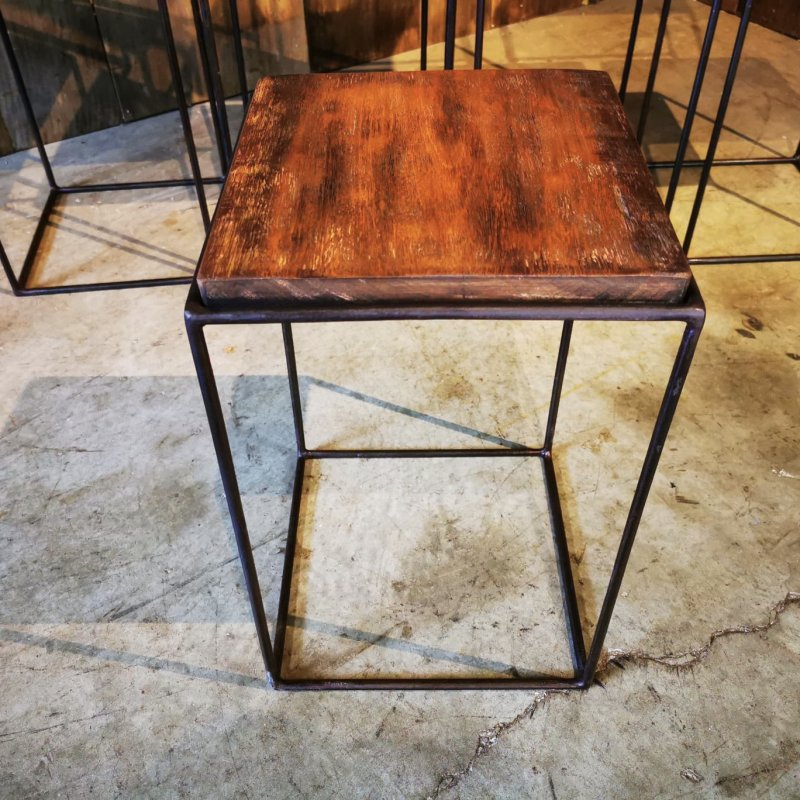 Ref. 1911 | Little coffee tables