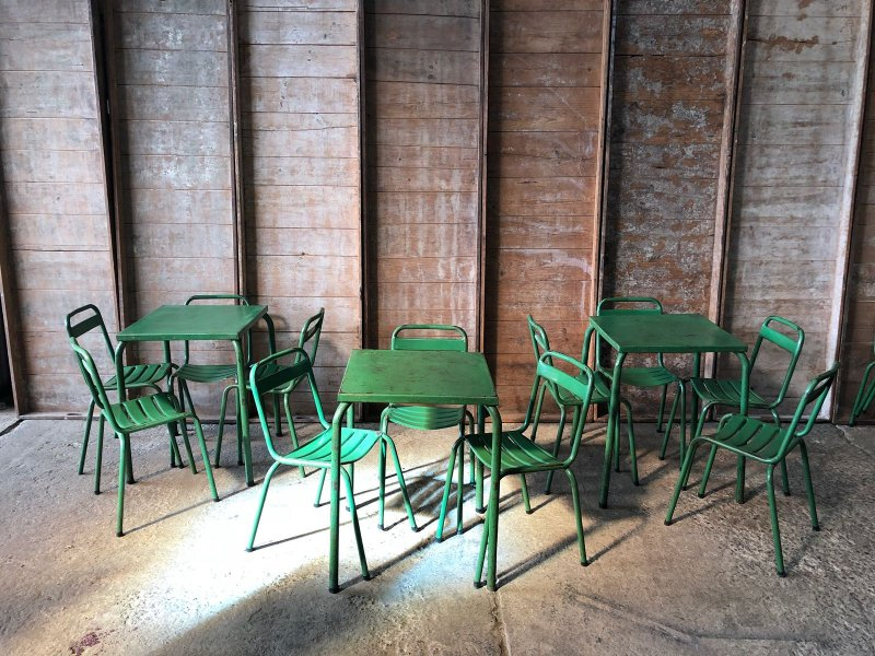 Ref. 960 | Green set of tables and chairs